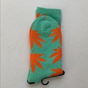 Huf socks plant
